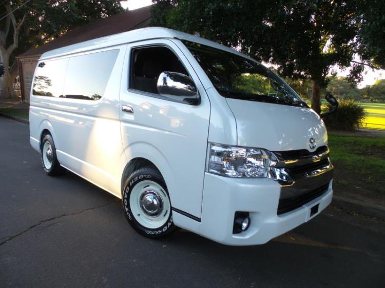 2016 Toyota Hiace WAGON GL 10 Seater Low roof wide body
